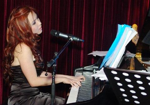 Nữ sinh Việt tỏa sáng ở nhạc viện hàng đầu thế giới