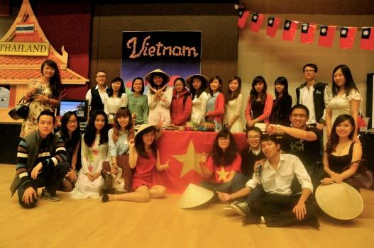 Sinh viên CSU giới thiệu văn hoá Việt