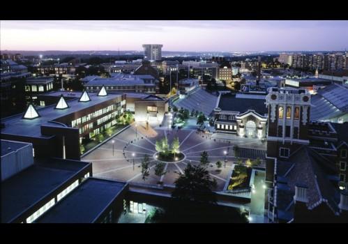 University of Cincinnati- một trong những trường ĐH đẹp nhất Hoa Kỳ