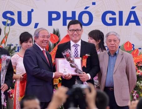 Chân dung Phó Giáo sư 30 tuổi trẻ nhất Việt Nam