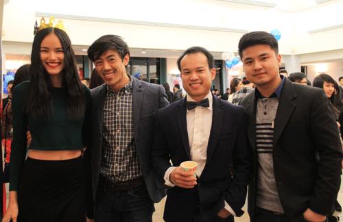 Người mẫu Tuyết Lan đã nhiệt tình tham gia hoạt động của Thanh niên, du học sinh Việt
