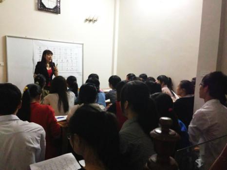 Cô giáo xinh xắn chia sẻ bí quyết học tiếng Anh