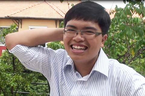 Chưởng Kim Dung đưa nam sinh vào Đại học Mỹ