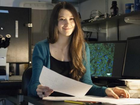 Cô gái 18 tuổi đánh bại bệnh ung thư vào học Harvard