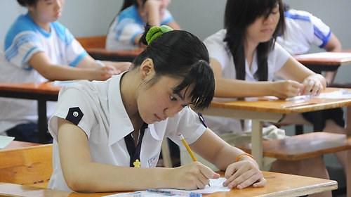'Sẽ thiếu minh bạch nếu Bộ Giáo dục giữ quyền làm sách'