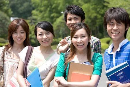 Học không xong, du học sinh phải bồi hoàn học bổng