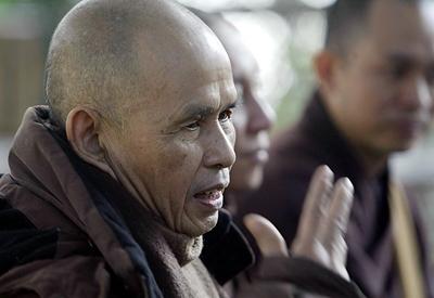 Thiền sư Thích Nhất Hạnh kể chuyện tình yêu và tình dục