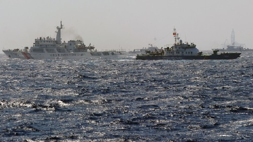 Vũ điệu nguy hiểm trên Biển Đông