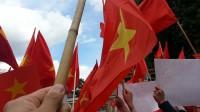 Các bạn thân mến! Chủ quyền thiêng liêng của đất nước đang bị thử thách bởi những hành động ngang ngược của Trung Quốc khi đưa giàn khoan xâm phạm...