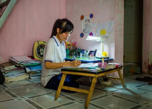 Sinh viên Việt Nam giàu nghị lực lên báo New York Times