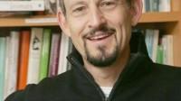 Khi Marc Hauser – cựu giáo sư tâm lý của đại học Havard bị phát hiện sai phạm trong các công trình nghiên cứu năm 2012, ông lảng tránh vấn...
