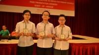 Ba trong tám học sinh Việt Nam tham dự cuộc thi đã xuất sắc giành huy chương vàng, một học sinh lọt vào top 10 của kỳ thi.  3...
