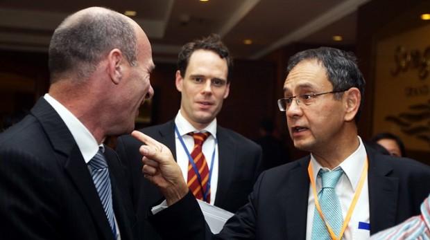 Đến Bill Gates cũng không thể xin được giấy phép lao động ở Việt Nam!