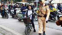 """Cảnh giao thông đông đúc ở Việt Nam khiến nhiều người nước ngoài """"sởn da gà"""" (Ảnh minh họa: TTXVN) Rất nhiều người nước ngoài đã đi từ choáng ngợp..."""