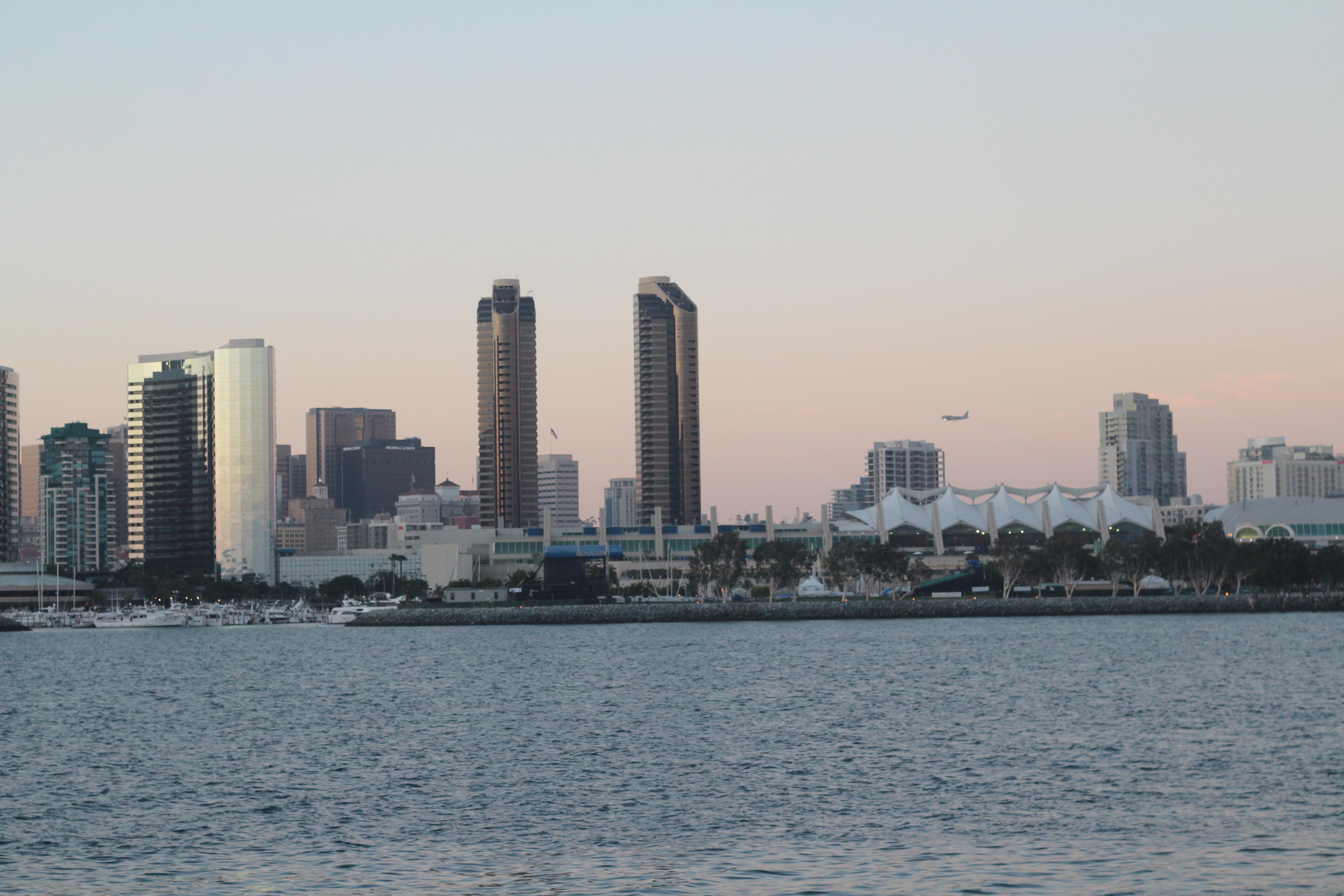 Ảnh 1: Một góc thành phố San Diego ở miền nam California.