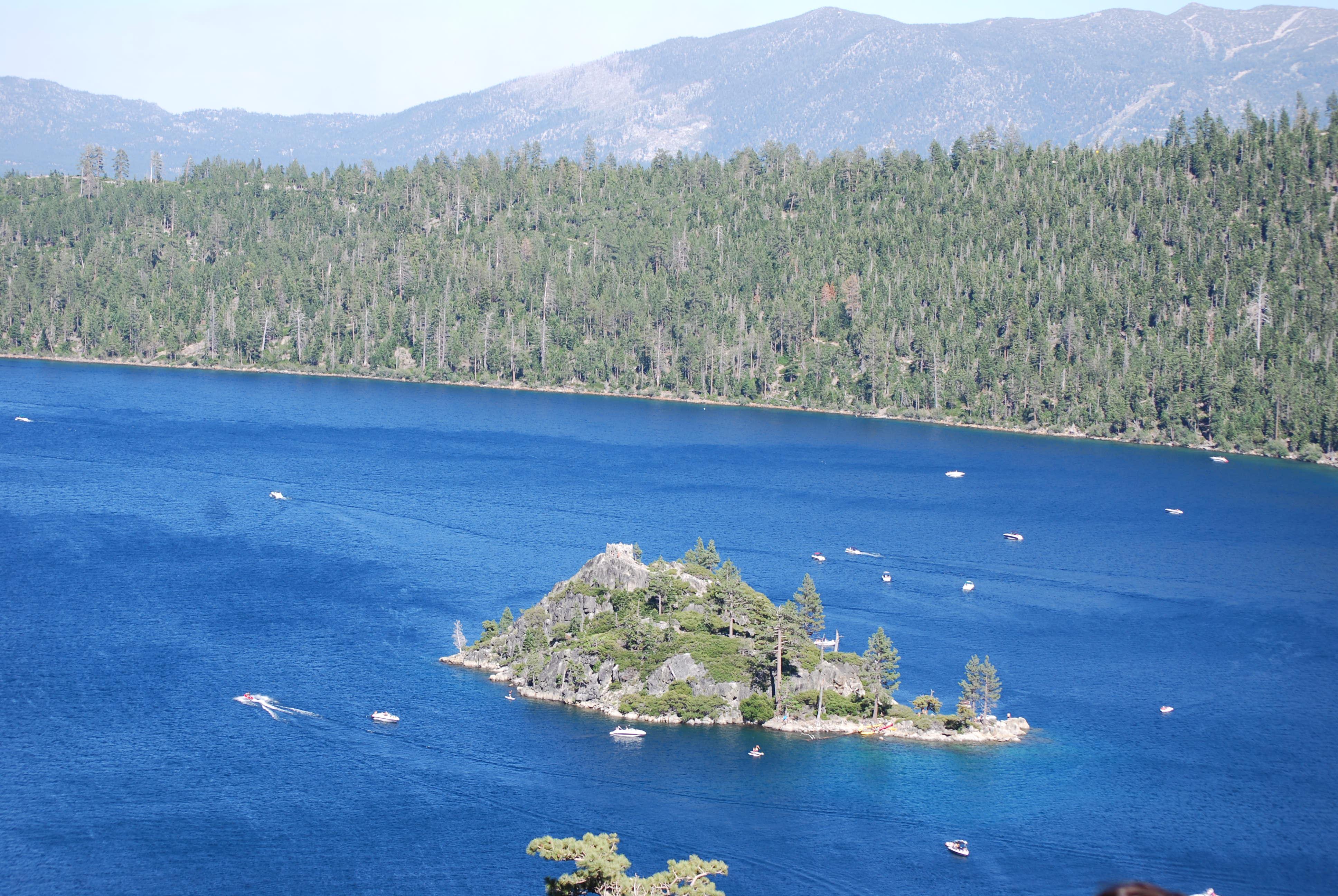 Ảnh 6: Lake Tahoe đẹp như một bức tranh thủy mặc