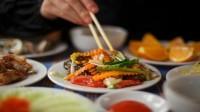 Không chỉ để lấp đầy bụng đói mà còn là các ngón nghề bạn có thể sẽ sử dụng trong các dịp lễ hội Việt Nam, đãi bạn tới nhà...