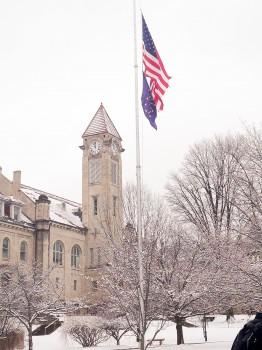 A 09: Tuyết tháng tư Bloomington