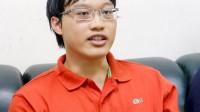 Vẻ bề ngoài điềm đạm, ít nói, song Lê Nguyên Vương Linh (SN 1995) đã khiến nhiều người phải nể phục khi cùng lúc giành học bổng toàn phần 3...