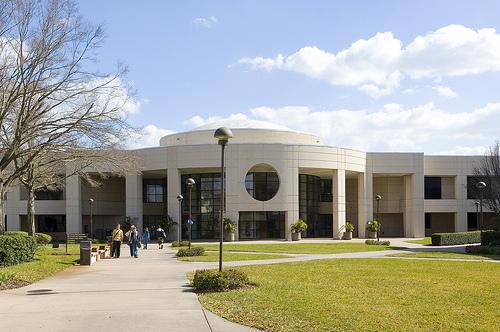 Trường Cao đẳng Valencia được xếp hạng tốt nhất trong 27 trường của Hoa Kỳ