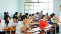 (Giáo dục&Thời đại) Mặc quần jeans, áo thun và đi dép lê là 1 trong số 8 danh mục cấm của Trường ĐH Cửu Long đối với cán bộ, giảng...