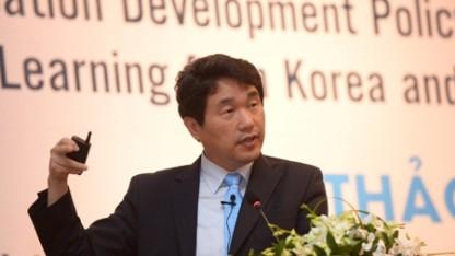 Cựu Bộ trưởng Ju-ho Lee
