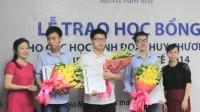 (Dân trí) – Các em học sinh giành huy chương tại kỳ thi Olympic Toán quốc tế 2014 hiện đang chuẩn bị cho việc đi du học sắp tới. Tại...