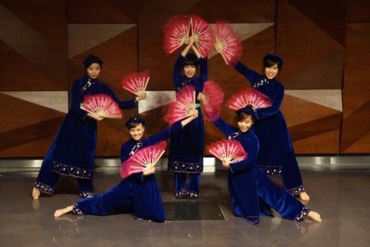Sinh viên tại CSU quảng bá văn hóa Việt Nam