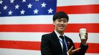 23 tuổi, Chí Long từng được gặp trực tiếp các vị Lãnh đạo cấp cao như: Phu nhân thủ tướng Nguyễn Tấn Dũng, Phó Thủ tướng Malaysia, Bộ Trưởng bộ...