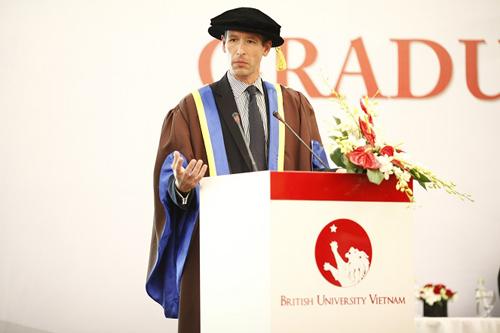 Uớc mơ đại học Anh thành hiện thực tại Việt Nam