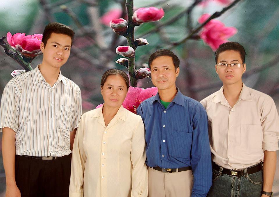 Gia đình Hoàng Mạnh Tiến