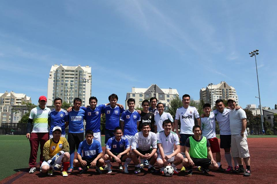 Tham gia giải bóng đá lần 2 của Thanh Niên Sinh Viên CA do Hội sinh viên CA  tổ chức
