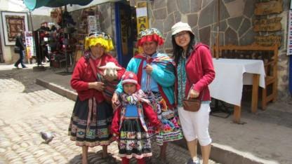Ảnh chụp cùng người dân ở Cusco, Peru