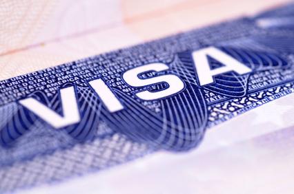 Xin visa đi Mỹ có cần người thân xác nhận đồng ý?