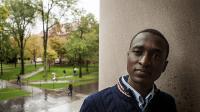 Tờ báo lớn của Mỹ – New York Times – vừa có bài viết về một học sinh đặc biệt nhận học bổng toàn phần của Trường ĐH Havard. Đó...