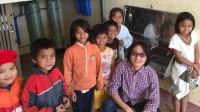 Nguyễn Khắc Quân hiện đang sinh sống và làm việc tại Mỹ, nhưng cứ đi đi về về giữa Mỹ - Việt Nam để giúp hàng ngàn trẻ em vùng cao, vùng xa được uống và biết trân quý nguồn nước sạch vốn ngày càng trở nên khan hiếm.