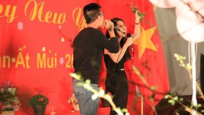 """""""Ca sỹ"""" Quang và Chi với ca khúc Tìm"""