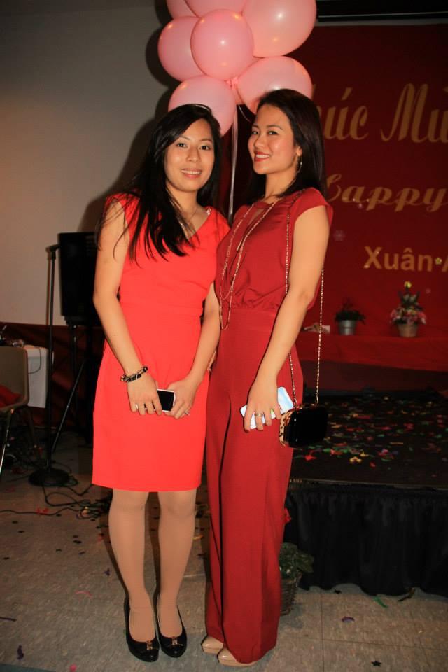 Sắc đỏ là màu được nhiều bạn nữ chọn lựa tại Tết Tình Yêu