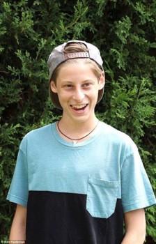 """Chân dung chàng trai 15 tuổi khiến Google, Facebook """"tranh giành"""""""