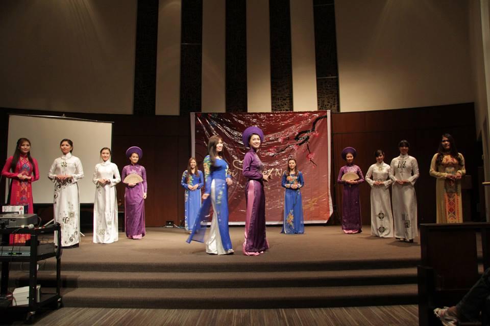 Hội TNSV VN tại DC luôn nổi tiếng với những hoạt động ý nghĩa của du học sinh. Trong ảnh là đêm Gala chào xuân 2015