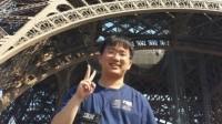 Phạm Quang Vũ không chỉ lập một loạt huy chương, giải thưởng đáng nể thời học trò, cậu còn khiến bạn bè thán phục khi tốt nghiệp thủ khoa ngành...