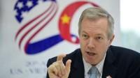 Sinh viên Việt hoan hô khi Đại sứ Mỹ dẫn lời Bác Hồ dạy trong cuộc viếng thăm Đại học Quốc gia Hà Nội vào ngày 6.3. Ngài Đại sứ...