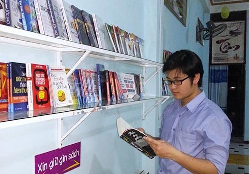 Giảng viên trẻ lập hội quán sách miễn phí cho sinh viên