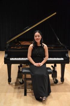 Cô gái Việt với nhiều thành tích xuất sắc về âm nhạc trên đất Mỹ