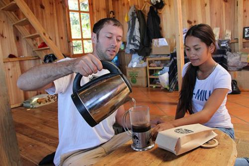 Chàng trai Mỹ qua Việt Nam làm cà phê