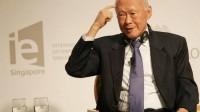 Nổi tiếng là người thông minh, diễn thuyết lôi cuốn và có tài lãnh đạo, ông Lý Quang Diệu đã đưa Singapore từ một nước nghèo lên sánh ngang các...