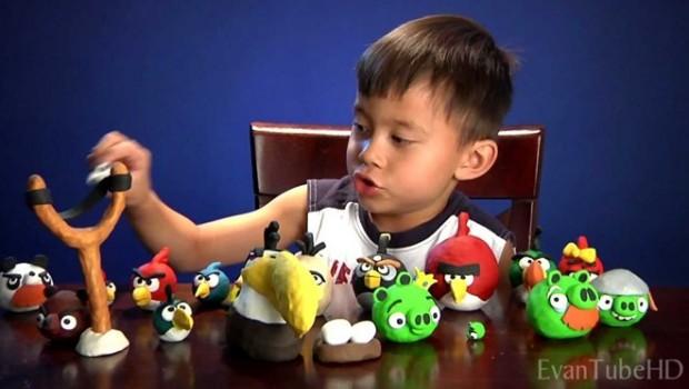 Cậu bé 8 tuổi kiếm được 1,3 triệu USD/năm nhờ Angry Birds