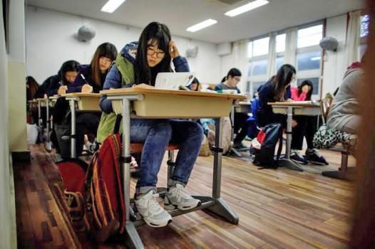 Hủy hàng loạt kết quả thi du học Mỹ ở châu Á