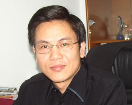 Giản Tư Trung – Từ tật xấu của người Việt nghĩ về xã hội văn minh