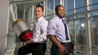 Hai sinh viên Seth Robertson và Viet Tran tại đại học George Mason đã công bố phát minh bộ công cụ dập lửa bằng âm thanh, phát minh này có...